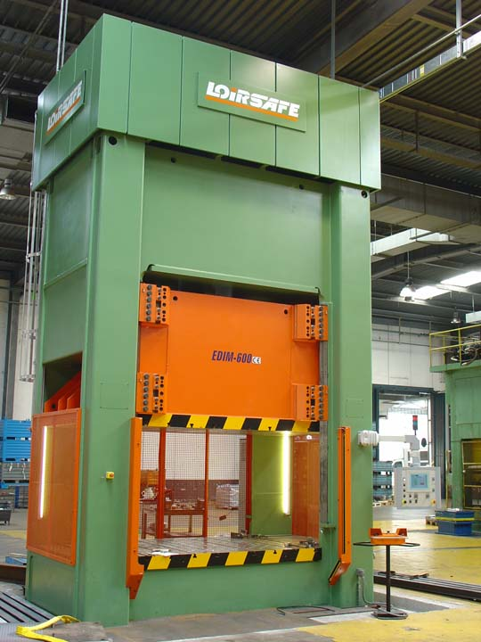 6.000 kN Hydraulic Press with single acting in upper side and lower cushion for stainless steel sinks drawing.