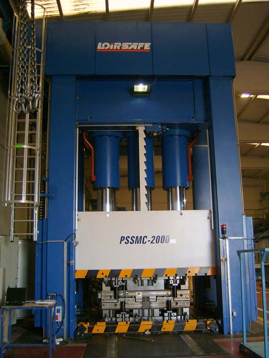 20.000 kN Hydraulic Press with single actino in upper side and with active parallelism control.